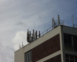 Mobile phone towers planned for oval