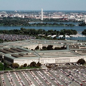 Apple and Samsung initiate smartphone war in the Pentagon