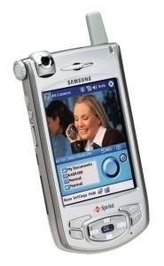 Samsung to bring back flip phones