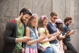 Study: Young people use smartphones once every 2mins