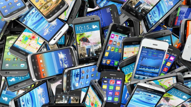 Global smartphone sales exceeded 1.3bn in 2015