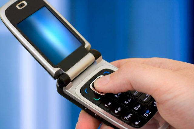 Samsung to get nostalgic with flip phones